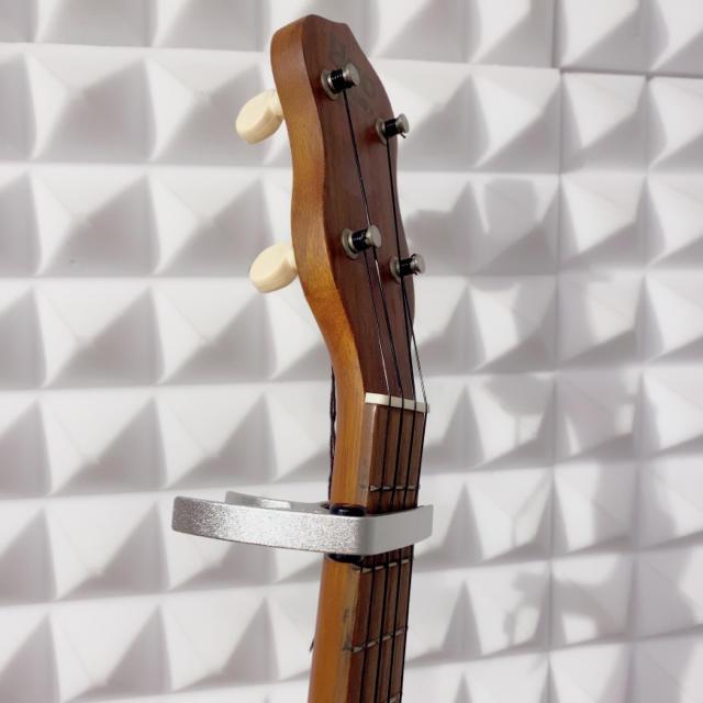 毎日発送!ウクレレ専用 超ミニサイズのカポ カポタスト 亜鉛合金 シルバー 楽器のウクレレ(その他)の商品写真