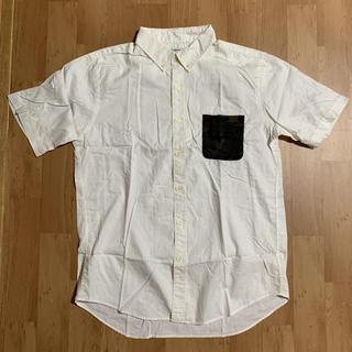GLOBAL WORK - メンズ 半袖シャツ Yシャツ 白 前胸ポケット 迷彩柄 深緑 ホワイト シンプル