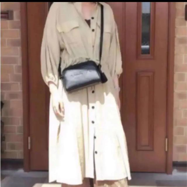 agnes b.(アニエスベー)の大人気❤agnes b.エンボスロゴショルダーバッグ 新品 レディースのバッグ(ショルダーバッグ)の商品写真