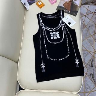 シャネル(CHANEL)の新製品 (パターン)真珠のネックレス ニットベスト(シャツ/ブラウス(半袖/袖なし))