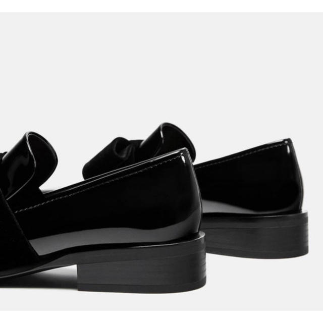 ZARA(ザラ)の新品タグ付き ZARA ベルベットリボン ローファー レディースの靴/シューズ(ローファー/革靴)の商品写真
