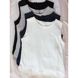 フェリシモ(FELISSIMO)の4枚セット☆スーピマコットンが大人きれいなスムースノースリーブトップス(Tシャツ(半袖/袖なし))