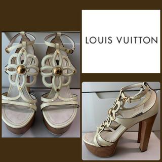 LOUIS VUITTON - ルイヴィトン ホワイトパテント フラワー サンダル