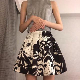 アリスアンドオリビア(Alice+Olivia)の水彩風花柄ミニスカート(ミニスカート)