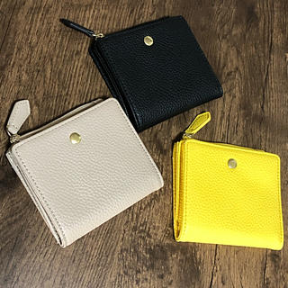 ジーユー(GU)の3個セット*ジーユー GU 2つ折り財布 スクエア ミニウォレット (財布)