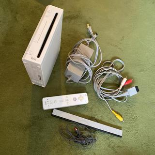 ウィー(Wii)のWii 本体(家庭用ゲーム機本体)
