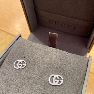 グッチ(Gucci)のグッチ ピアス 750wg  インターロッキング GG ホワイトゴールド(ピアス)
