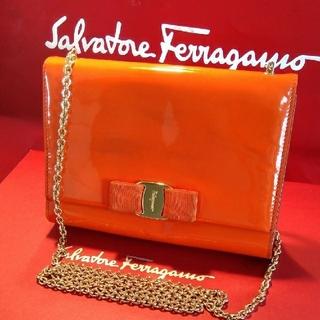 Ferragamo - 正規Salvatore Ferragamoヴァラチェーンショルダーバッグ