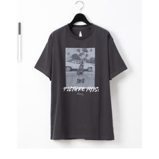 グレースコンチネンタル(GRACE CONTINENTAL)のGODLISフォトロゴTシャツ グレースコンチネンタル (Tシャツ(半袖/袖なし))