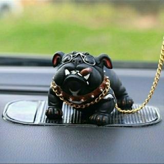 黒犬★ダッシュボード飾り【新品】滑り止めマットをプレゼント 犬の置物 ブルドッグ(車内アクセサリ)
