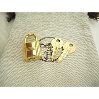 エルメス(Hermes)のエルメス 南京錠 鍵2個 ゴールド パドロック キー 102 美品@ 69(キーホルダー)