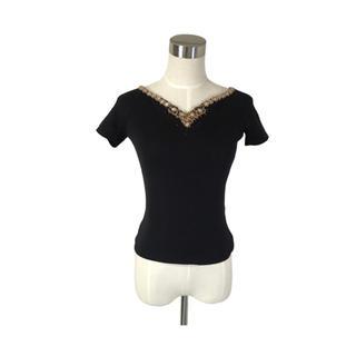 専用♡イタリア製 ラリエットVネックの曲線が美しい首元ビジュー装飾ニット(ニット/セーター)