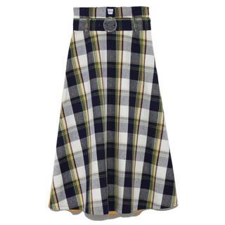 ミラオーウェン(Mila Owen)の新品タグ付❤️Mila Owen ベルト付ハリ感フレアスカート(ひざ丈スカート)