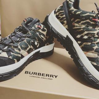BURBERRY - BURBERRY スニーカー