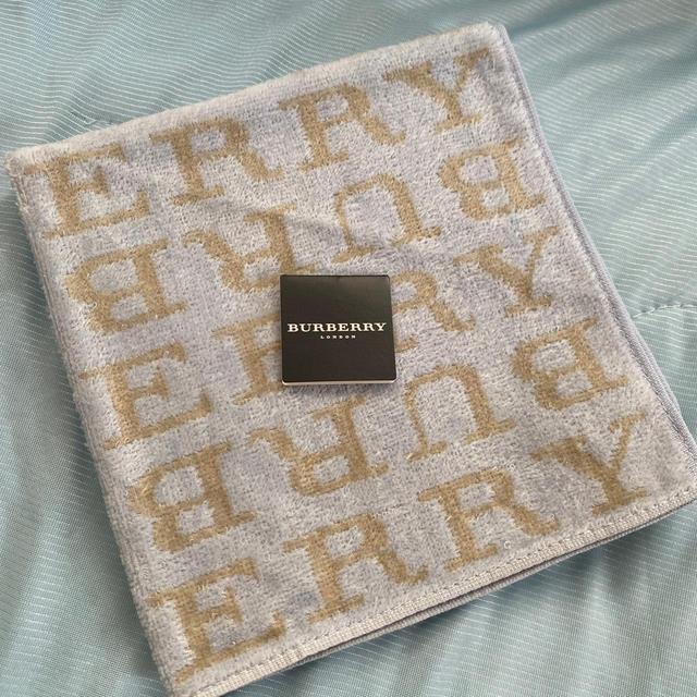 BURBERRY(バーバリー)のバーバリー タオルハンカチ レディースのファッション小物(ハンカチ)の商品写真