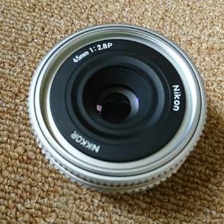ニコン(Nikon)のニコン 45ミリ F2.8P 未使用に近いレベルです。(フィルムカメラ)