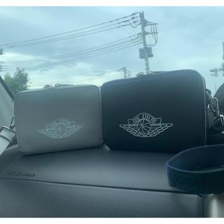 クリスチャンディオール(Christian Dior)のair dior logo pouch bag grey (ショルダーバッグ)