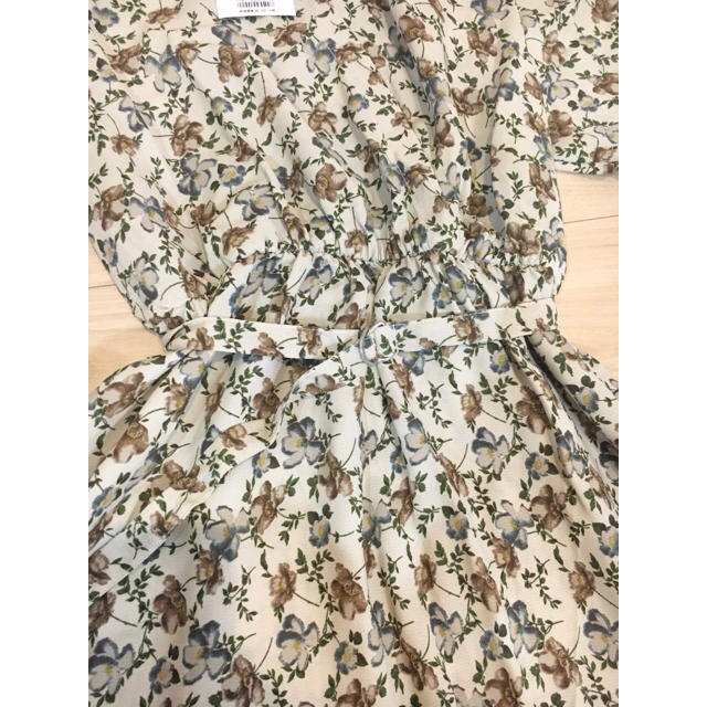 one after another NICE CLAUP(ワンアフターアナザーナイスクラップ)の専用☆【新品・未使用】ティアード花柄 ロングワンピース NICE CLAUP レディースのワンピース(ロングワンピース/マキシワンピース)の商品写真