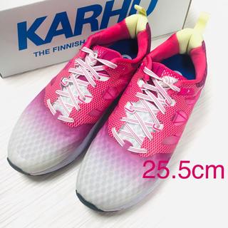 カルフ(KARHU)のカルフ KARHU スニーカー 25.5cmグレーxバトン ルージュ 新品(スニーカー)