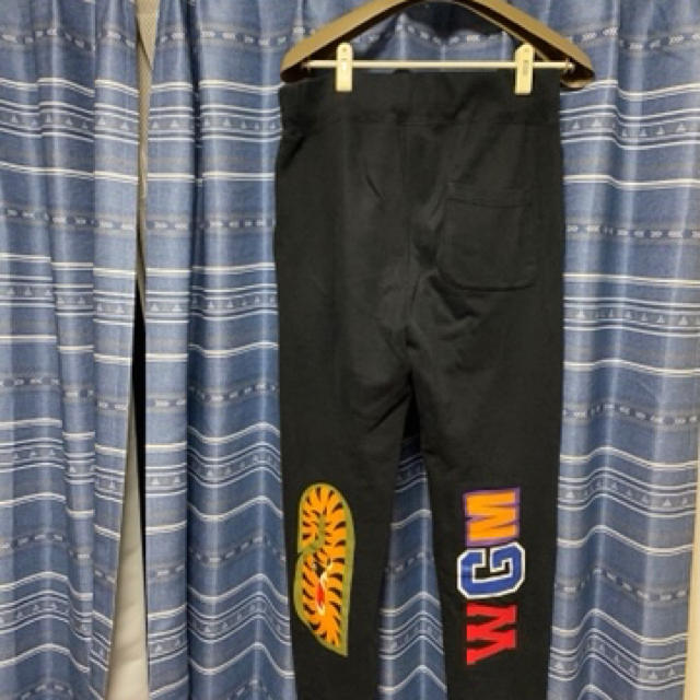 A BATHING APE(アベイシングエイプ)のbape APE シャークパンツ メンズのパンツ(その他)の商品写真