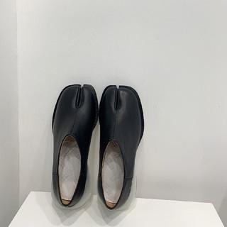 マルタンマルジェラ(Maison Martin Margiela)のメゾンマルジェラ MM6 足袋 パンプス(ローファー/革靴)