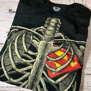Tシャツ メンズ スーパーマン DCコミックス 骨 ボーン 黒 ブラック(Tシャツ/カットソー(半袖/袖なし))