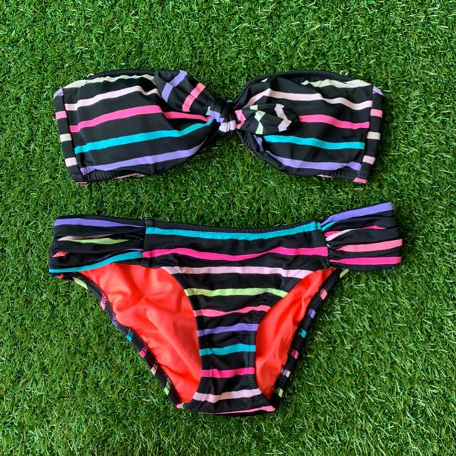 Victoria's Secret(ヴィクトリアズシークレット)のVictoria's Secret ヴォクトリアシークレット ボーダーバドゥ水着 レディースの水着/浴衣(水着)の商品写真