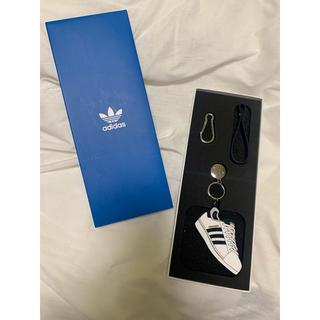アディダス(adidas)のADIDAS 韓国限定 グッズ キーホルダー(キーホルダー)