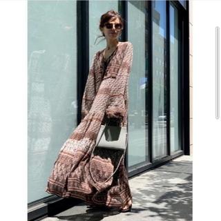 アパルトモンドゥーズィエムクラス(L'Appartement DEUXIEME CLASSE)の新品BLUE BOHEME Printed Long Dress ブラウン 36(ロングワンピース/マキシワンピース)