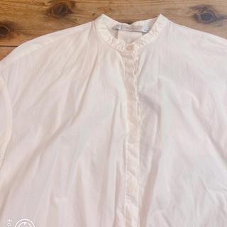 サンタモニカ(Santa Monica)のzara ノーカラー白シャツ(シャツ/ブラウス(半袖/袖なし))