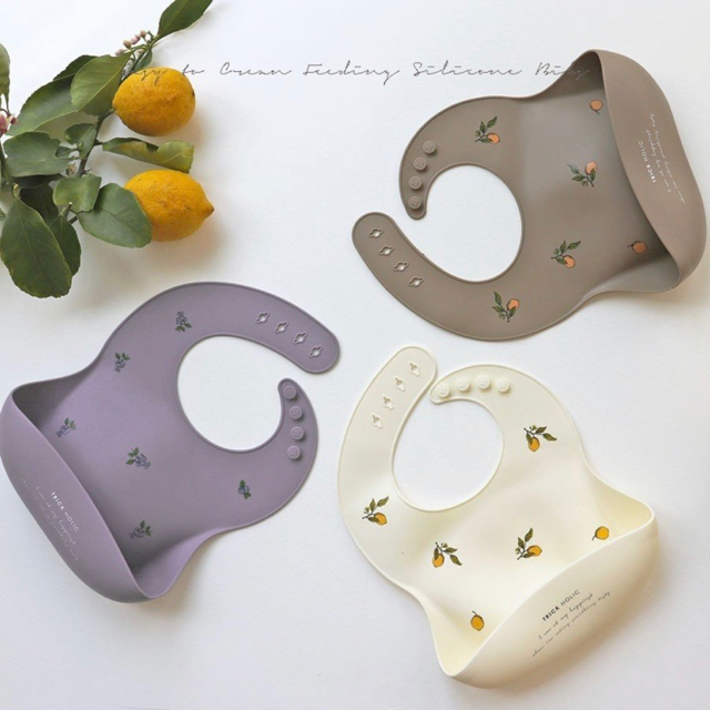 BABYBJORN(ベビービョルン)のTRICHOLICシリコンビブ キッズ/ベビー/マタニティの授乳/お食事用品(お食事エプロン)の商品写真