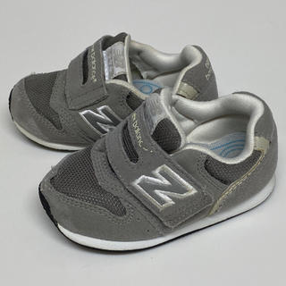 New Balance - ニューバランス グレー 13.5cm