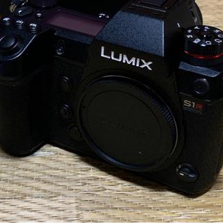 Panasonic - panasonic  lumix S1R ほぼ新品 周辺機器、箱付き