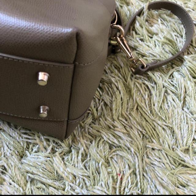 Furla(フルラ)のFURLA パイパーSサイズ カーキ レディースのバッグ(ハンドバッグ)の商品写真