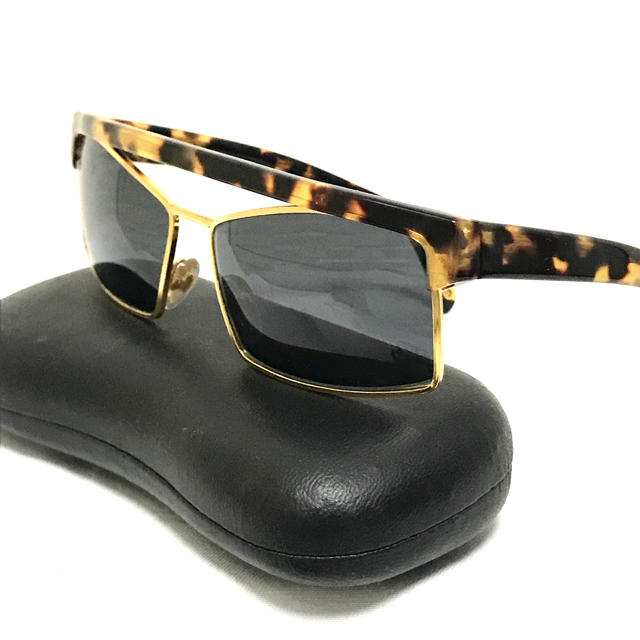 Gianni Versace(ジャンニヴェルサーチ)のGIANNI VERSACE ヴィンテージサングラス メンズのファッション小物(サングラス/メガネ)の商品写真