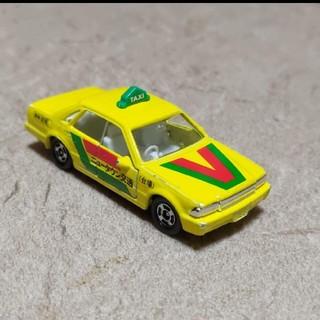 ニッサン(日産)のトミカ 廃盤 日産セドリック タクシー(ミニカー)