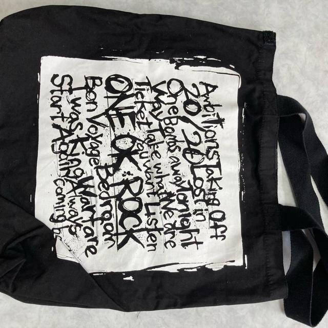 ONE OK ROCK(ワンオクロック)のone ok rockトートバッグ エンタメ/ホビーのタレントグッズ(ミュージシャン)の商品写真