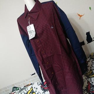 ヴィヴィアンウエストウッド(Vivienne Westwood)のヴィヴィアン ウエストウッド マン 新品 46 オーブ刺繍 切替 シャツ(シャツ)