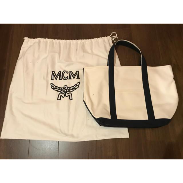 MCM(エムシーエム)のほぼ新品 MCM×phenomenon コラボトート 伊勢丹別注 レディースのバッグ(トートバッグ)の商品写真