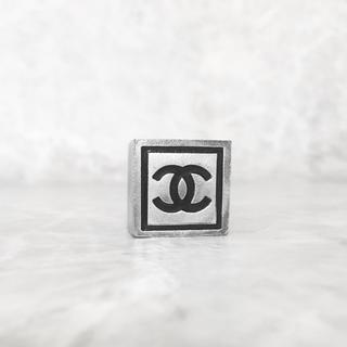 シャネル(CHANEL)の正規品 シャネル 指輪 シルバー ココマーク 印台 スクエア ロゴ 銀 リング(リング(指輪))