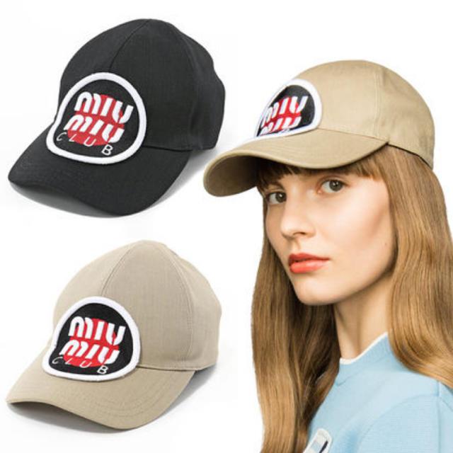 miumiu(ミュウミュウ)の【本日限定値下げ:18日までの出品】MIUMIU キャップ レディースの帽子(キャップ)の商品写真