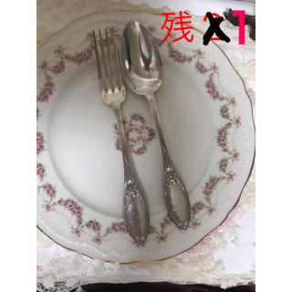 ロイヤルアルバート(ROYAL ALBERT)の最終値下げ!フランスビンテージ  リボンが可愛い ディナーフォークとスプーン(カトラリー/箸)
