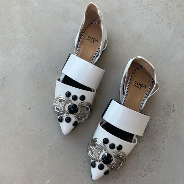 TOGA(トーガ)の【TOGA PULLA】メタルフラットシューズ/Metal flat shoes レディースの靴/シューズ(ローファー/革靴)の商品写真