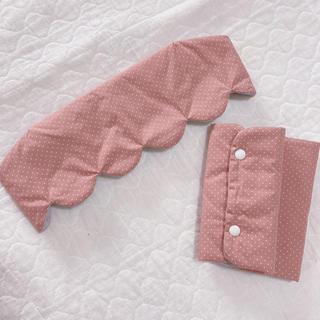 エルゴベビー(Ergobaby)のくすみピンク×グレー 抱っこ紐 首回りカバー よだれカバー(外出用品)