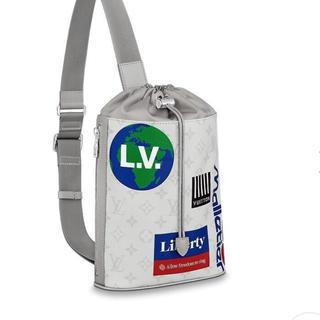 LOUIS VUITTON - ルイ ヴィトン モノグラム チョーク スリング バック