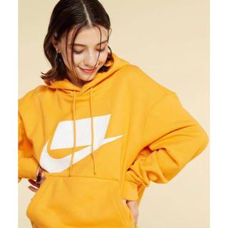 ナイキ(NIKE)のNIKE ルーズフィット パーカー hoodie オレンジ L(パーカー)