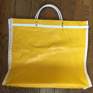 サザビー(SAZABY)のサザビー黄色ビニールbag(トートバッグ)