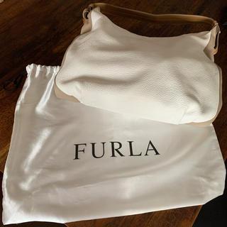 フルラ(Furla)の週末限定最終価格!フルラ ショルダーバッグ ホワイト(ショルダーバッグ)