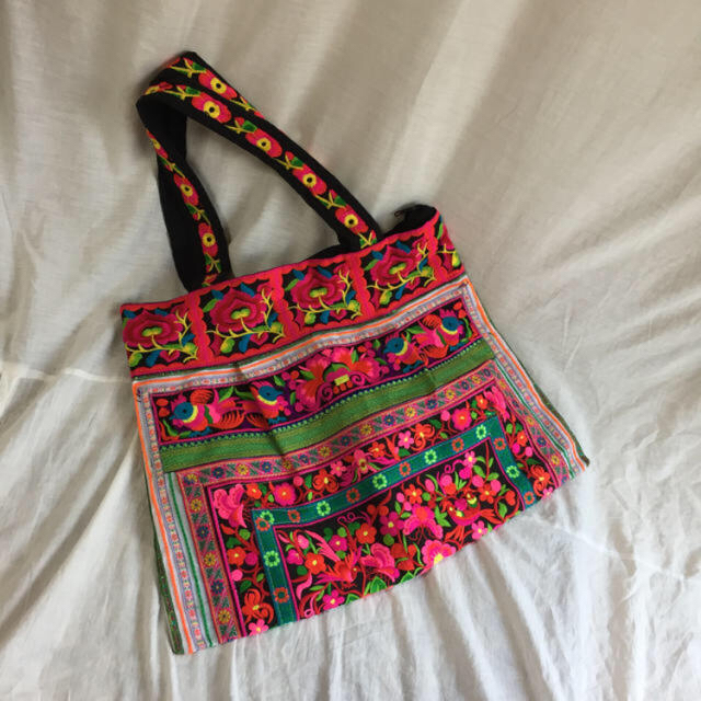 BEAUTY&YOUTH UNITED ARROWS(ビューティアンドユースユナイテッドアローズ)の限定値下 select 刺繍 ビッグ トート バッグ レディースのバッグ(トートバッグ)の商品写真