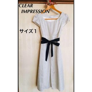 クリアインプレッション(CLEAR IMPRESSION)のクリアインプレッション ドット柄 リボンベルト付き半袖ワンピース Sサイズ(ひざ丈ワンピース)